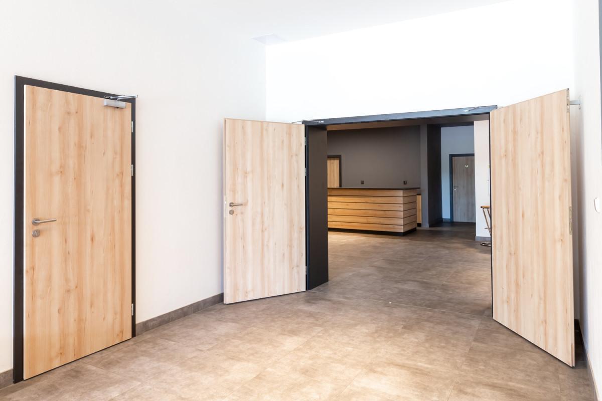 Dveře Elegant 10 se samo, CPL buk struktur